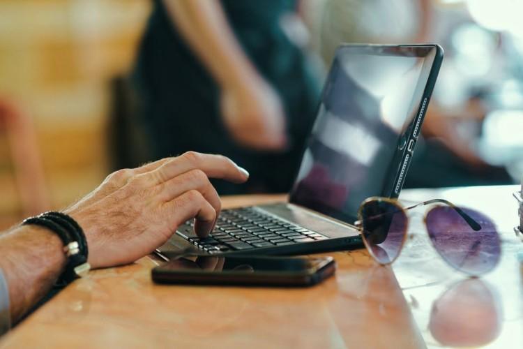 Ковельським пенсіонерам пропонують консультації щодо виплат скайпом