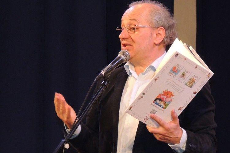Володар «Ордена усмішки»ставив у Луцьку автографи на «Подорожники»