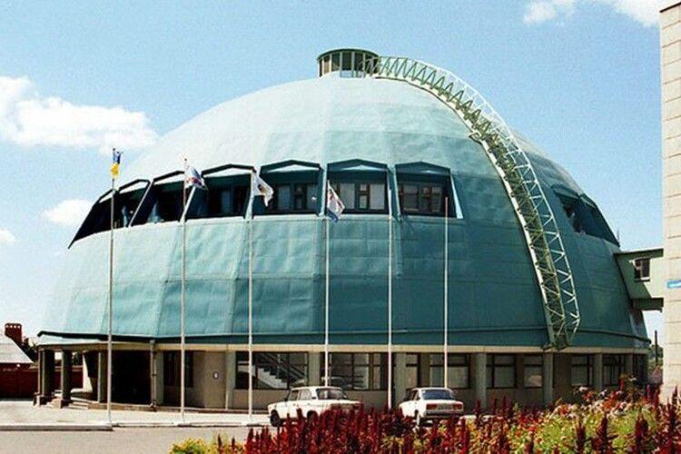 У Маріуполі унікальний волейбольний спортивний комплекс хочуть перетворити на... музей