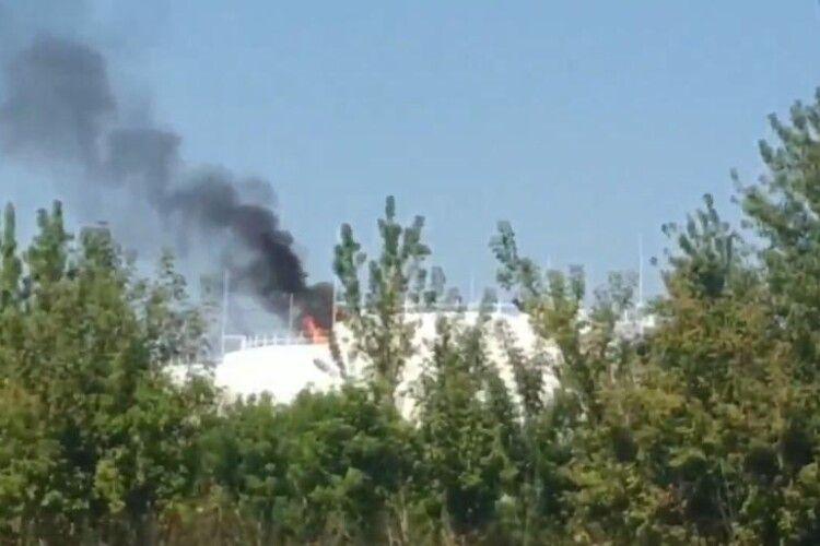 В окупованому Донецьку бабахнуло на нафтобазі