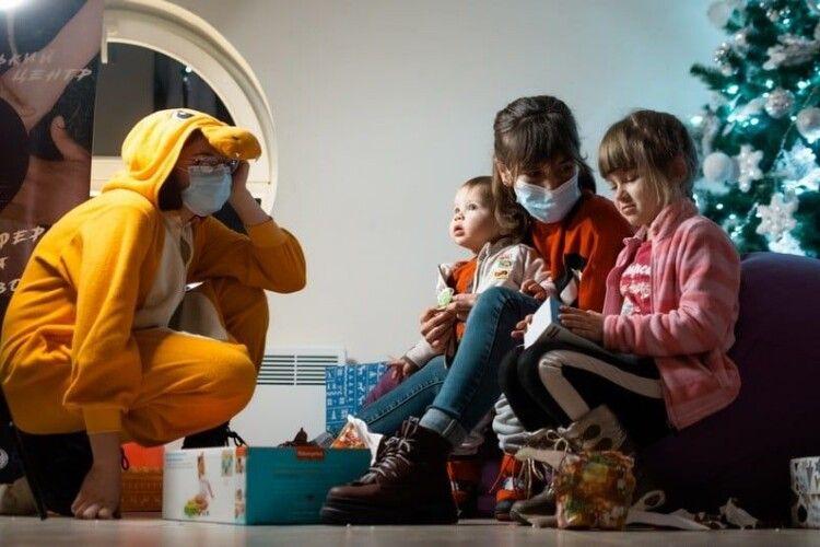 70 ковельських дітей героїв АТО отримали подарунки