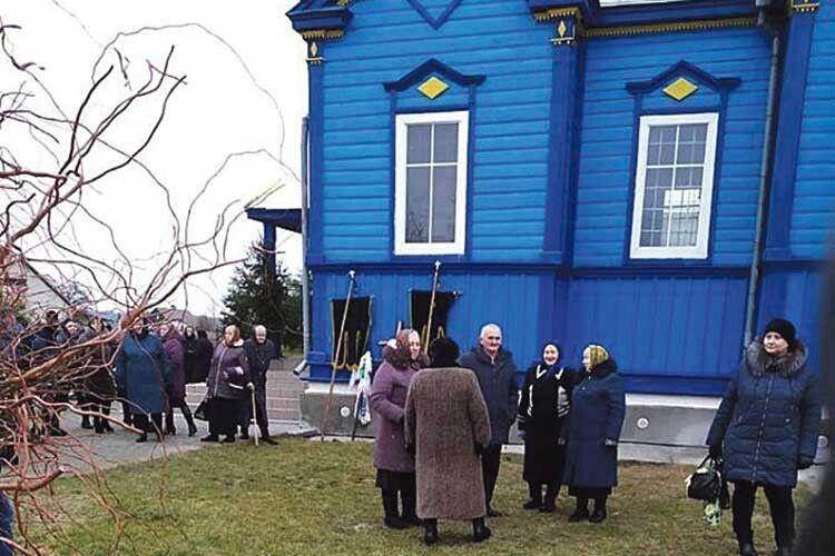 Священник УПЦ МП недозволив відспівати покійника ухрамі