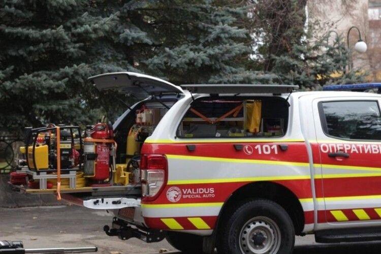 Нововолинські  рятувальники отримали нове багатофункціональне авто (Фото)
