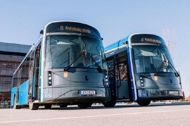 Литовці запустили на маршрут електробус з пластикових пляшок