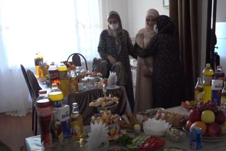 Кадиров надав гроші з бюджетного фонду на викуп наречених
