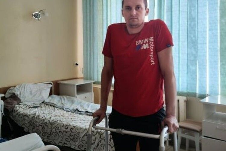Молодому волинянину загрожувала інвалідність: у госпіталі ветеранів війни йому зробили інноваційну операцію