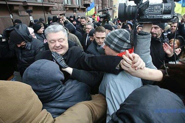 Артур Герасимов: Справи проти Порошенка сфабриковані за вказівкою Офісу президента