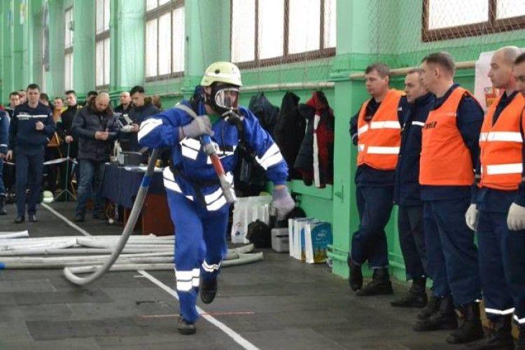 У змаганнях пожежників на Рівненщині перемогли миколаївці