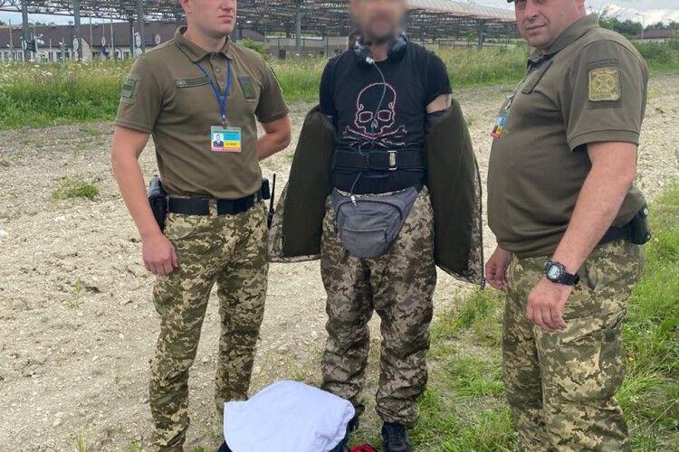 На кордоні з Польщею затримали лжеприкордонника