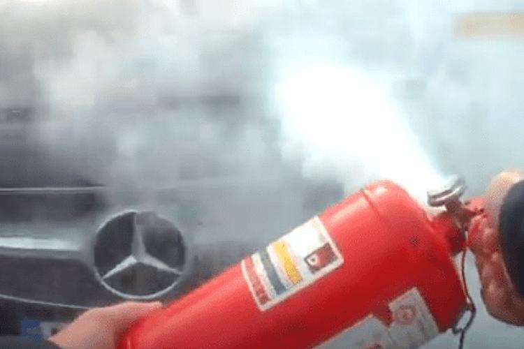 На Волині на ходу загорівся автомобіль (Відео)