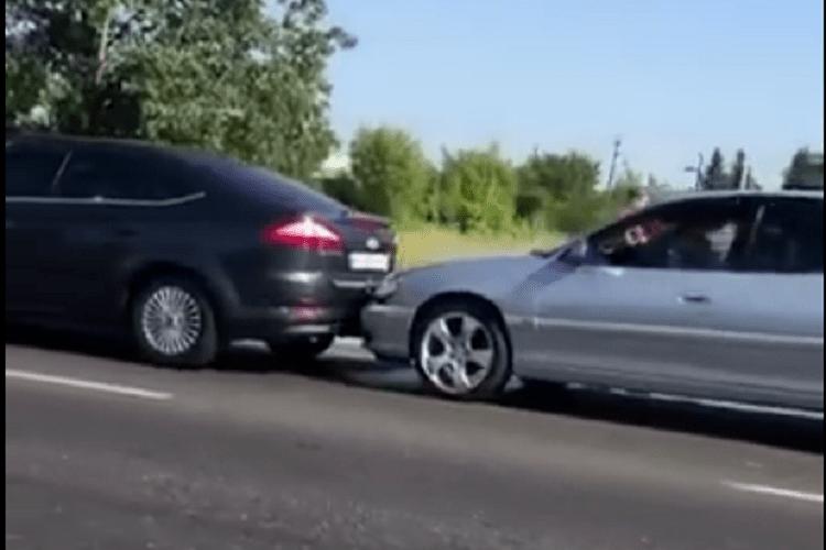 У Ковелі на трасі зіткнулися чотири авто (Відео)