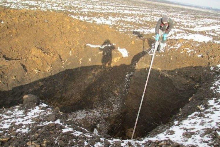 Чорні археологи пограбували два кургани