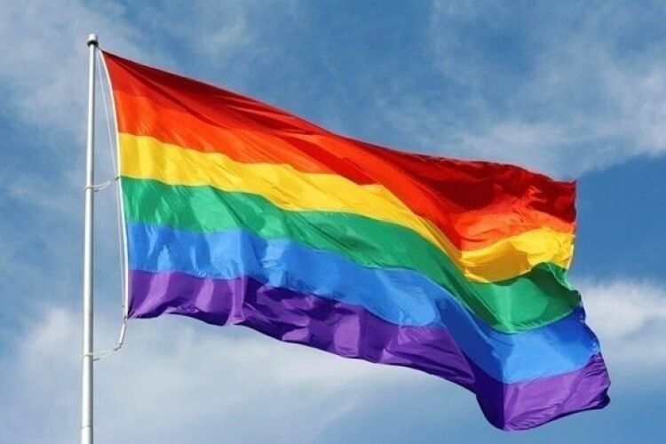 В Одесі офіс асоціації ЛГБТ обклеїли образами
