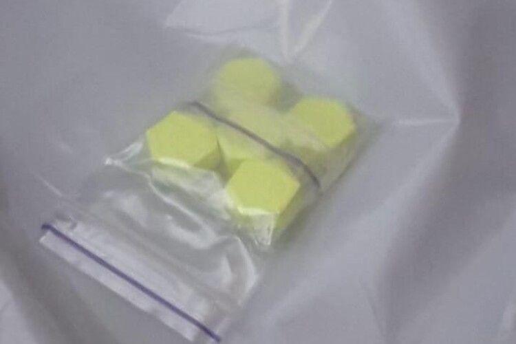 На Волині зловили 17-річного «закладника» наркотиків