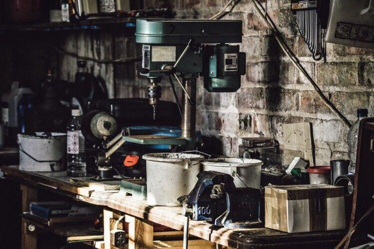 На Волині невідомі обікрали гараж на понад 27 тисяч гривень (Фото)