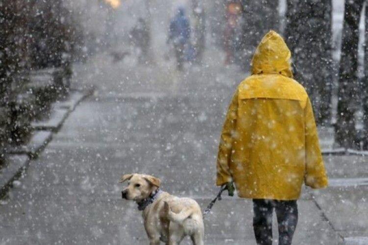 На Різдво дощитиме, потім мокрий сніг притрусить ожеледицю