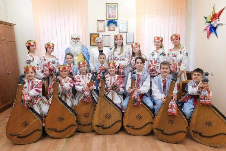 Любов Мосієвич 27 років очолює горохівських «кобзариків»