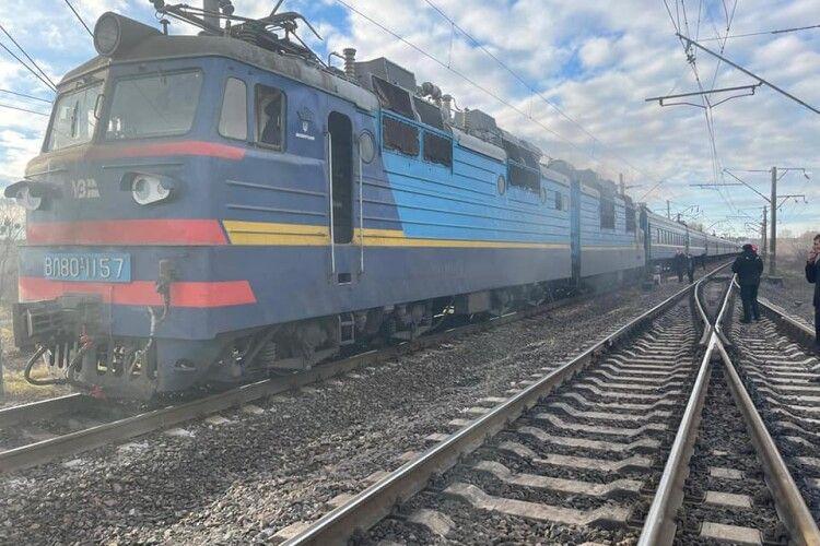 На Рівненщині знову загорівся поїзд. Еквакуювали понад 200 пасажирів (Фото)