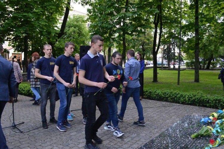 Кількість жертв неможливо підрахувати: у Ковелі вшанували пам'ять замордованих радянською владою українців
