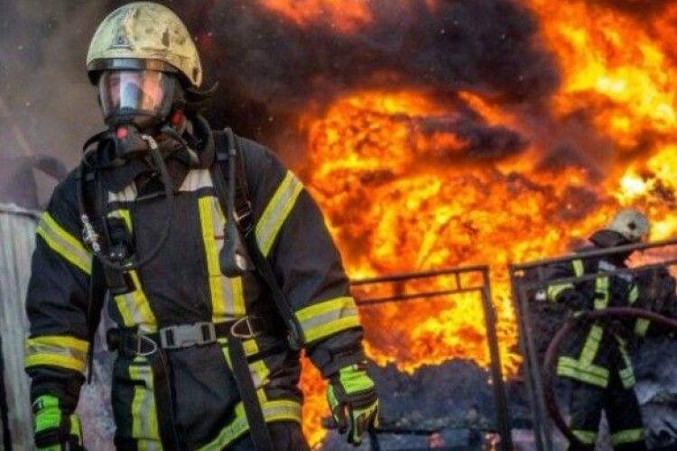 Під час пожежі загинуло немовля, врятовано трирічну сестру