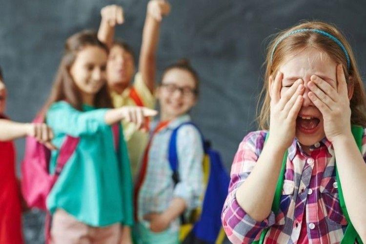 За бійку з однокласником відрахують зі школи?