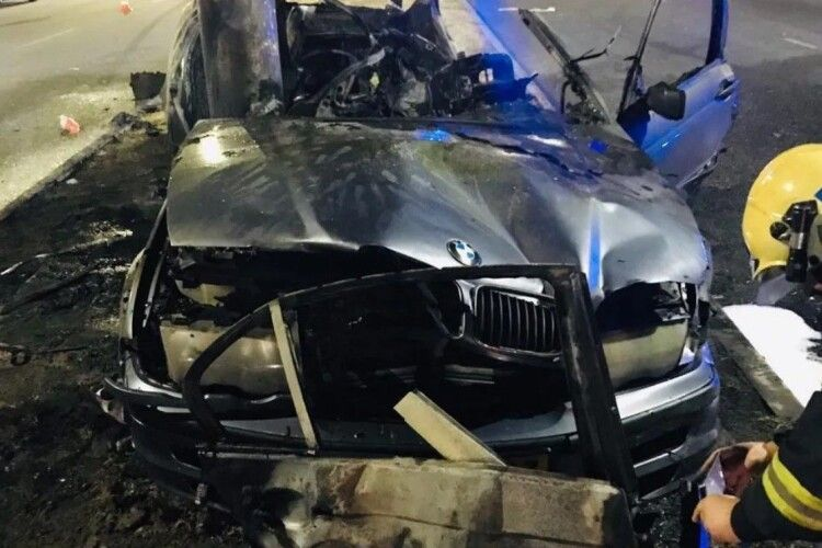 З'явилося відео ДТП, у якій троє людей згоріли живцем (18+)