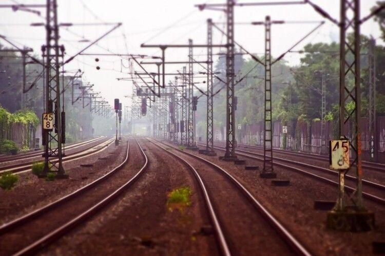 У Польщі два поїзди дивом уникнули лобового зіткнення