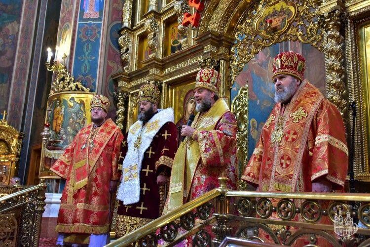 На Макарія митрополит Михаїл рвонув у Вінницю до митрополита Симеона (фото)