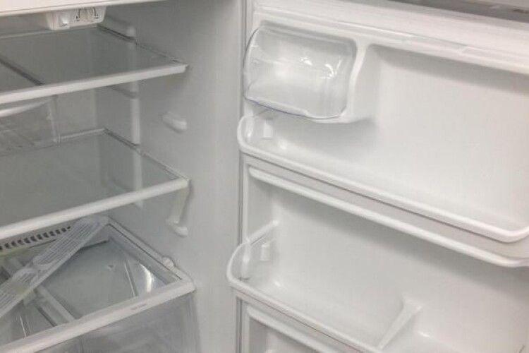 На Волині сусідка поцупила в пенсіонера гроші і вигребла все, що було в… холодильнику