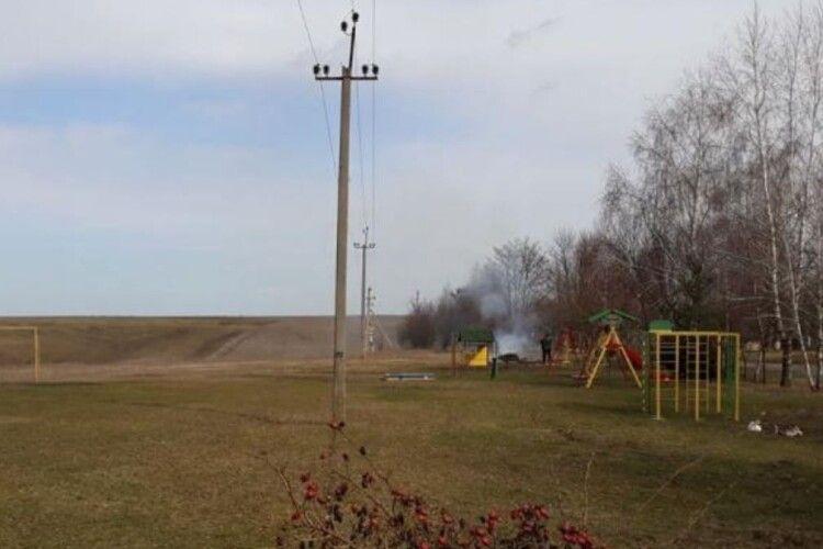 Дитячий майданчик збудували поруч високовольної лінії електропередачі