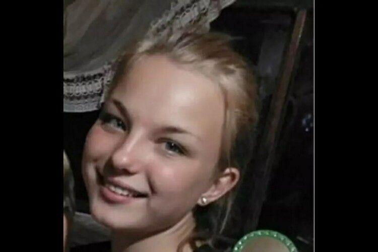 Батьки у розпачі: дівчина втекла зі своїм хлопцем, її розшукала поліція