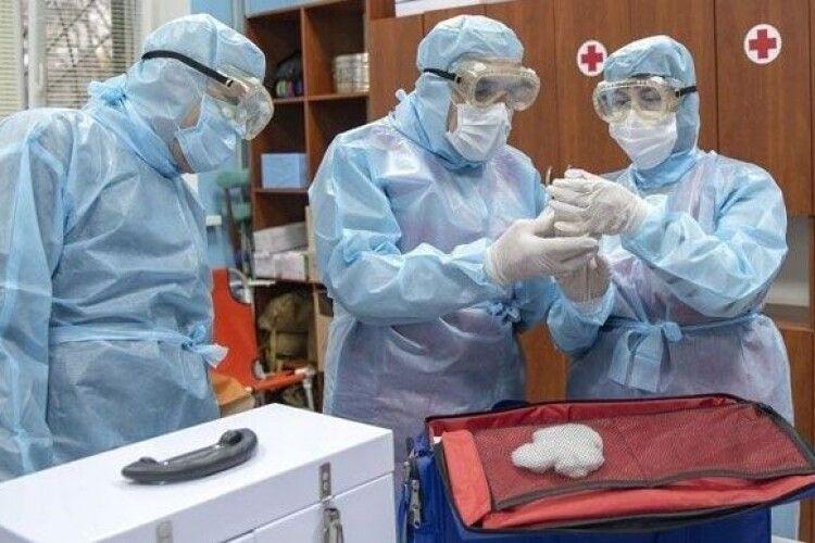 В Україні - майже пів тисячі нових хворих COVID-19