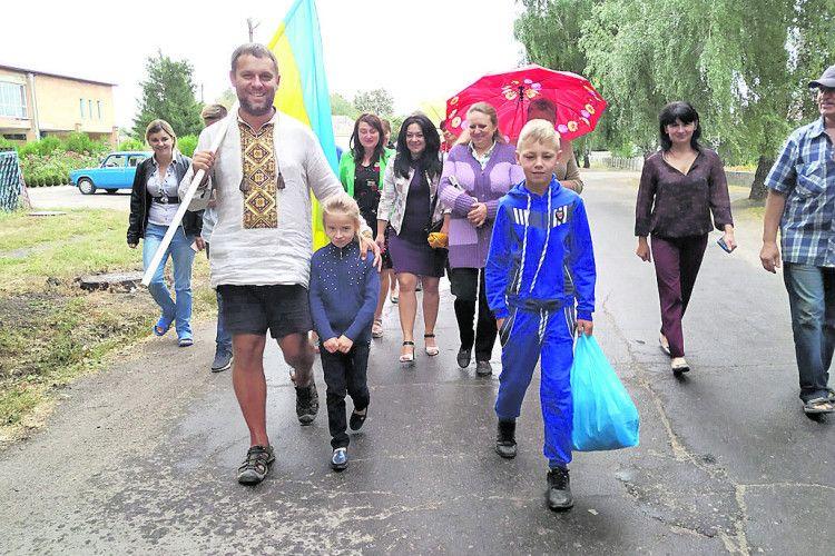 Волинянин здолав домогили Кобзаря 800кілометрів пішки