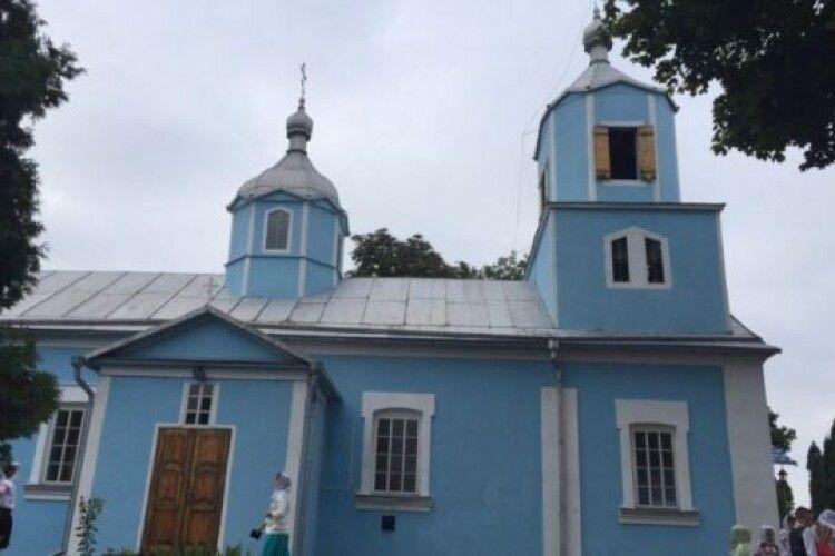 На Волині дві церкви передадуть громаді