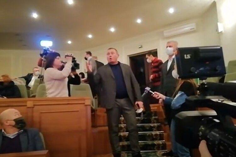 Волинська ОДА судиться з Волиньрадою