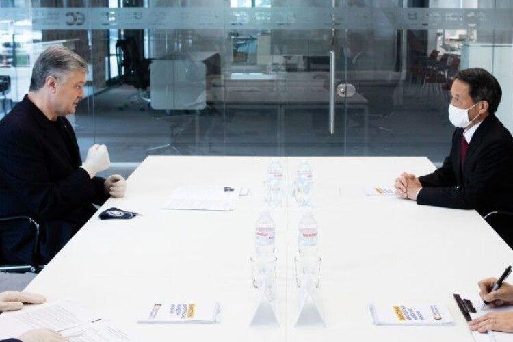 Петро Порошенко продовжує зміцнювати проукраїнську коаліцію: провів переговори з послом Японії
