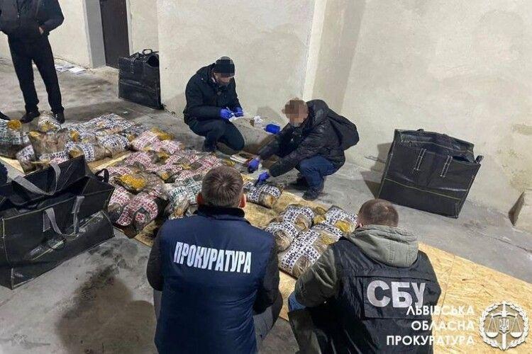 У Львові виявили понад тонну героїну вартістю 2,3 млрд грн, який хотіли відправити у ЄС