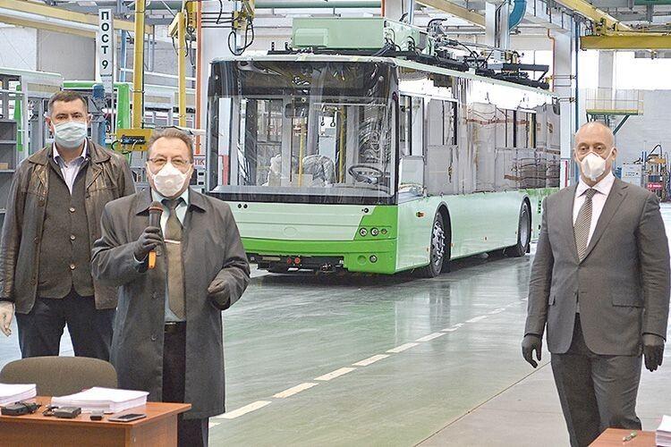 У луцьких тролейбусах можна буде підзарядити мобільний телефон (Відео)