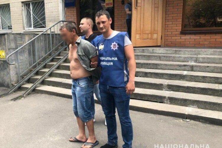 Чоловік викинув із вікна 5-річного сина співмешканки (Відео)