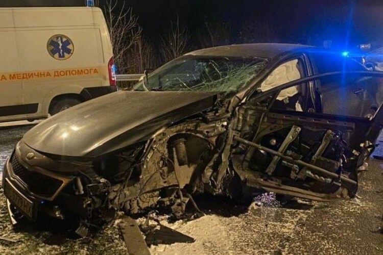 Невдалий розворот: біля Рівного в ДТП розбилися дві автівки