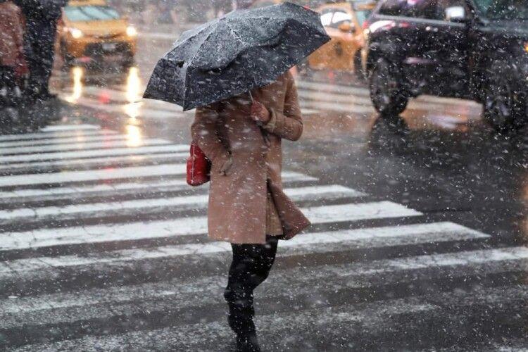 Погода на четвер, 4 лютого: синоптики обіцяють волинянам трохи мокрого снігу з дощем
