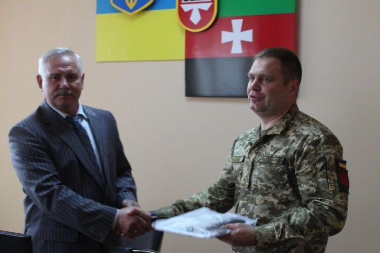 Нововолинськ допомагає армії