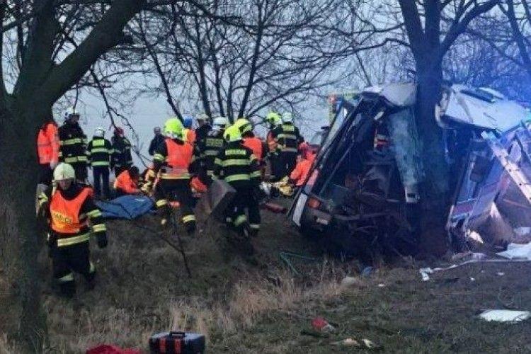 Кількість постраждалих у ДТП біля Праги зросла до 48