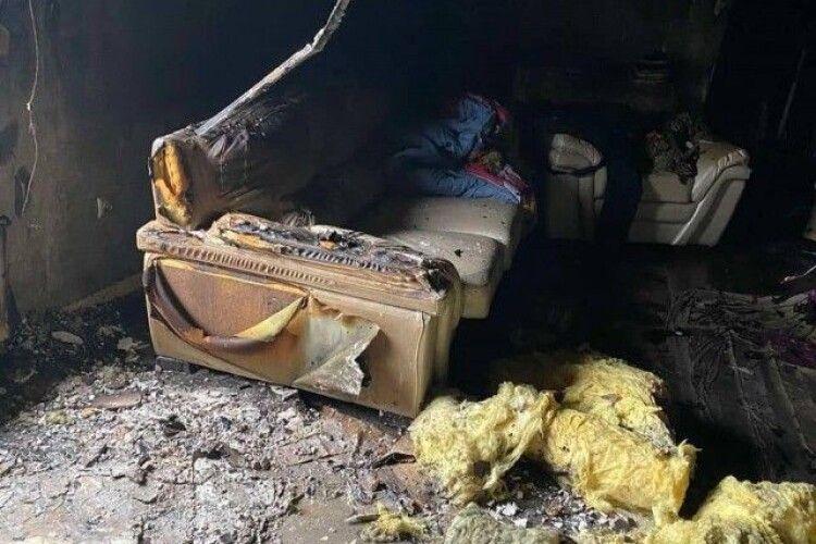 У селі на Волині раптово спалахнула хата (Фото)