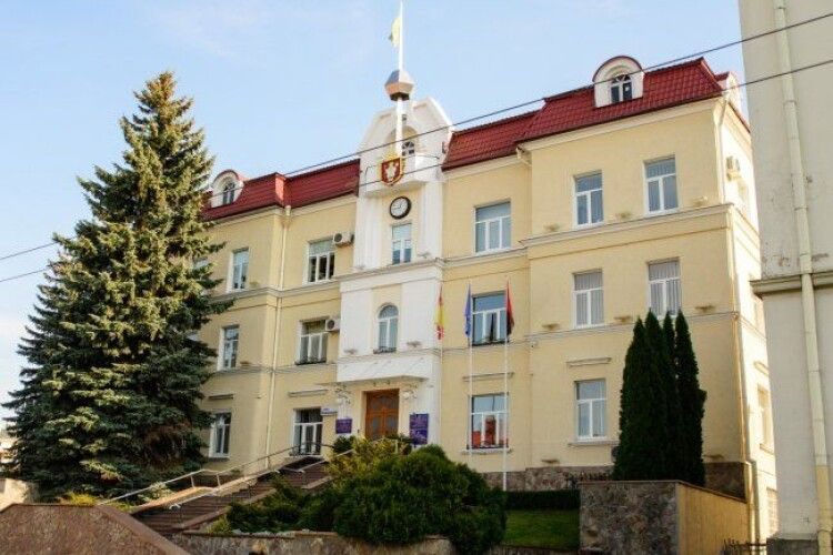 У Луцьку затвердили старост у приєднаних до міста громадах
