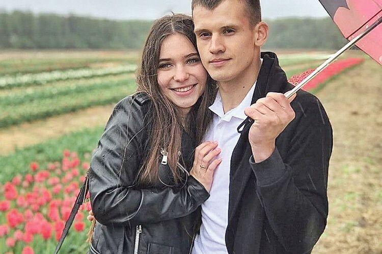 Заманив  на тюльпанове поле і… запропонував руку і серце