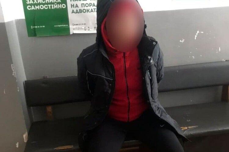 Зупинили для перевірки документів: Луцькі патрульні зловили злодія, який перебував у розшуку