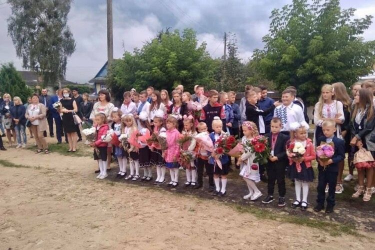 Відкрили школу в Карасині Маневицького району