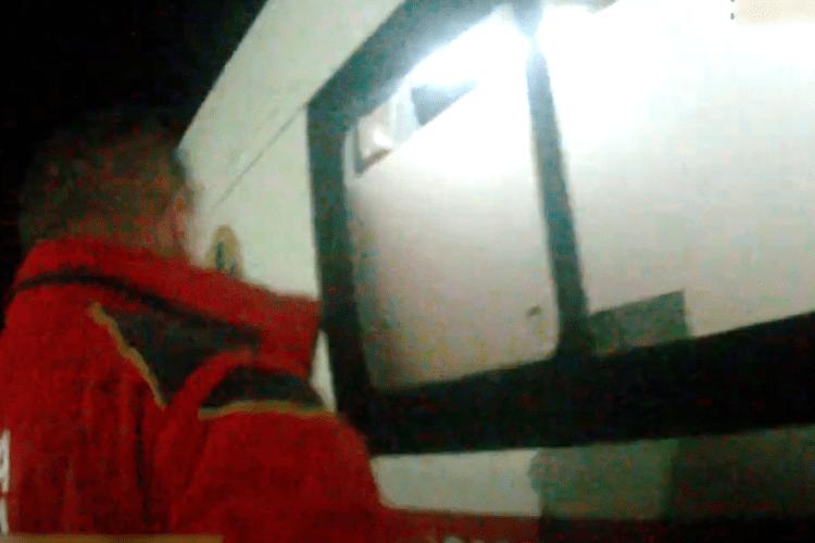 Патрульні врятували лучанку, яка порізала собі вени (Відео)