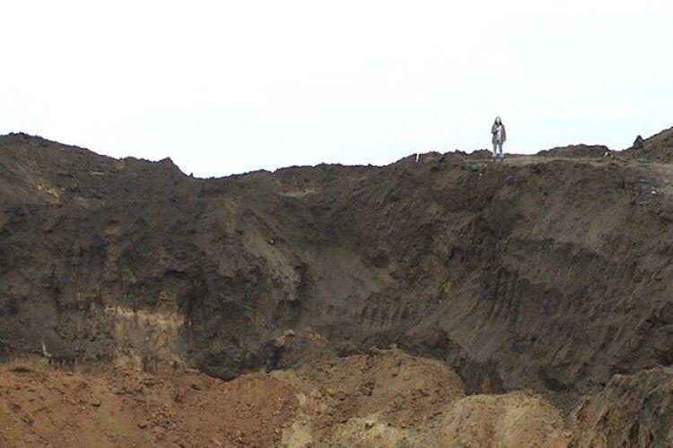 Розкопали царський курган. Припускають: шукали золото (Відео)